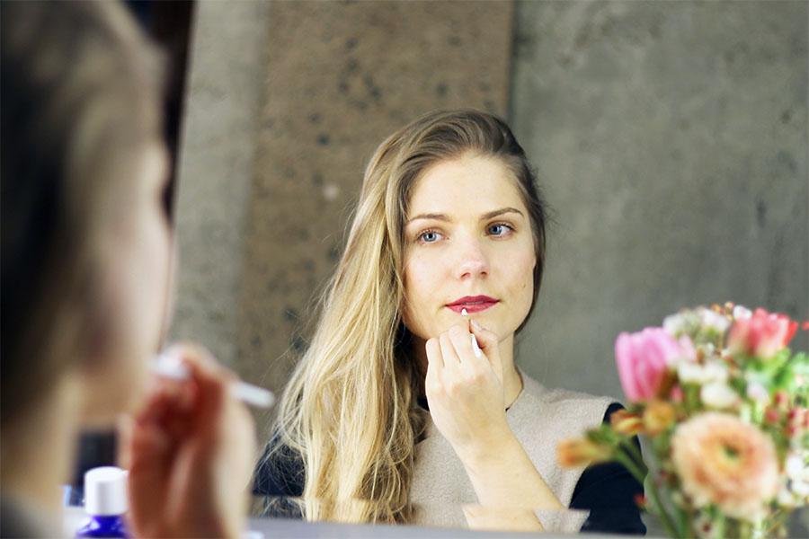 NicetohaveMag-Weleda-Lipbalms-getönte-Lippenpflege-Naturkosmetik-makeup